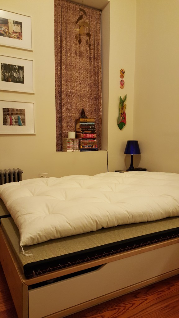 finding traditional japanese futon: plain white authentic Japanese double size futon